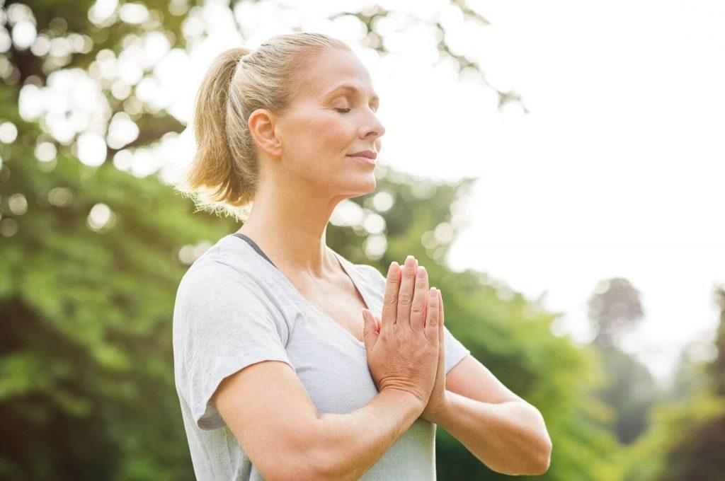 como respirar para relajarse y disminuir el estres 1