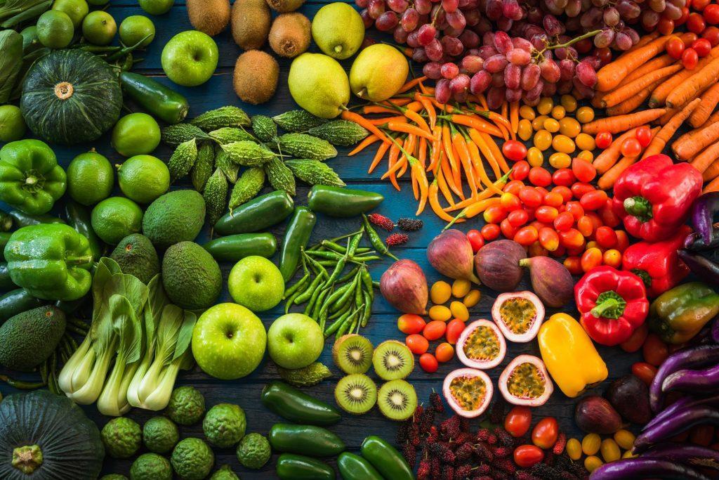 Los 10 Beneficios de Consumir Frutas y Verduras en el Perú