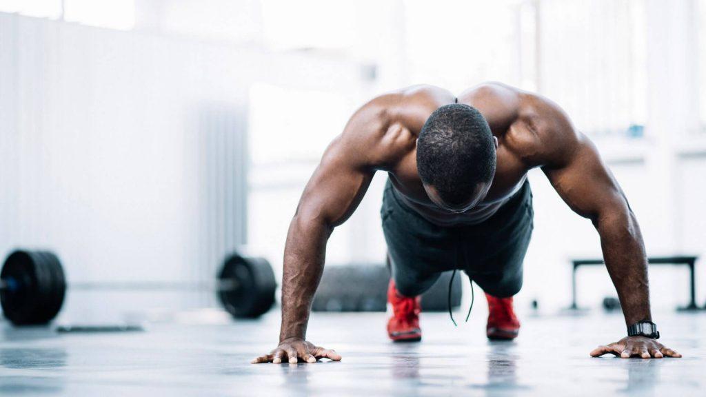 ejercicios en casa brazos abdominales pecho piernas hombros espalda sin lesiones 1